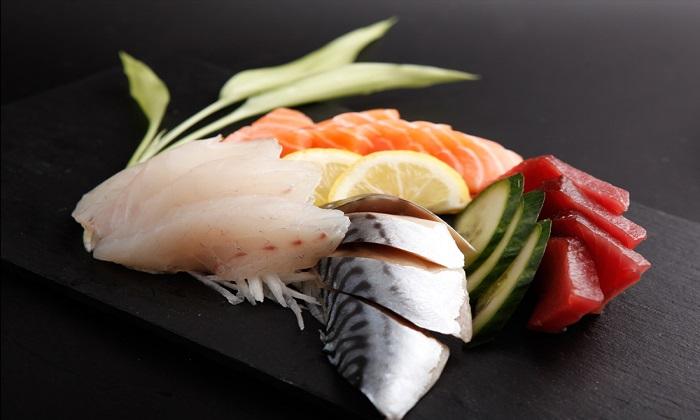 ye sushi restaurant japonais 21000 dijon livraison domicile plat a emporter sashimi brochette. Black Bedroom Furniture Sets. Home Design Ideas
